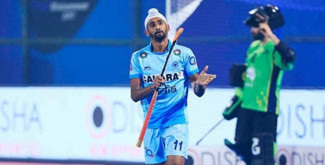 Indian-hockey-player-affected-by-corona