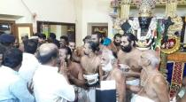 rajini went to athivarathar temple