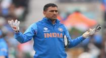 ms-dhoni-fans-talk-about-last-two-supper-over