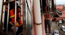 fire-fighters-rescue-boy-dangling-from-fourth-floor-win