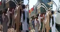 train-and-bus-accident-in-pakistan